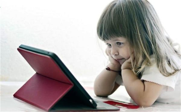 Beberapa Efek Negatif Memperkenalkan Teknologi Pada Anak Di Usia Dini