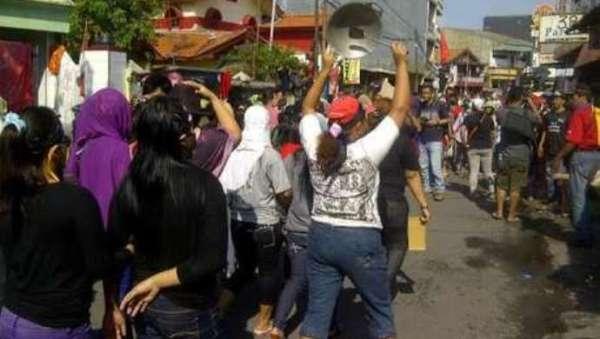 Demo PSK Dolly Surabaya