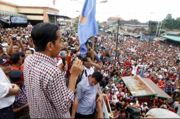 Foto Jokowi saat Orasi kampanye