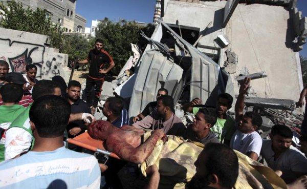 Dalam serangan sebelumnya, pesawat-pesawat tempur Israel membombardir lebih dari 30 target di kota Rafah, Gaza selatan yang dekat dengan perbatasan Israel pada Senin, 7 Juli malam waktu setempat. REUTERS/Ashraf Amrah.