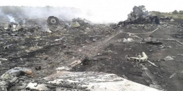 Kronologi Kejadian Jatuhnya pesawat Malaysia Airlines MH17 di Ukraina