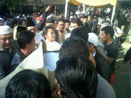 Nanang Ma'soem Meninggal di pangkuan jokowi